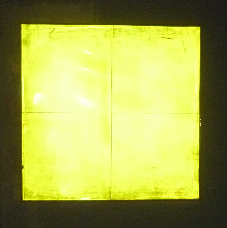 Flourescent Yellow Cube Light Sheet in Dark